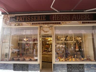 La plus vielle pâtisserie de Nice. Photo: Sinatou Saka